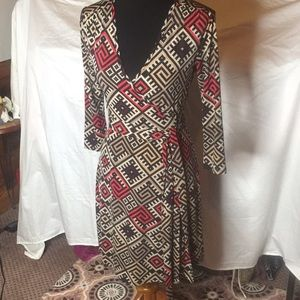 Love 21 geometric design wrap dress 👗